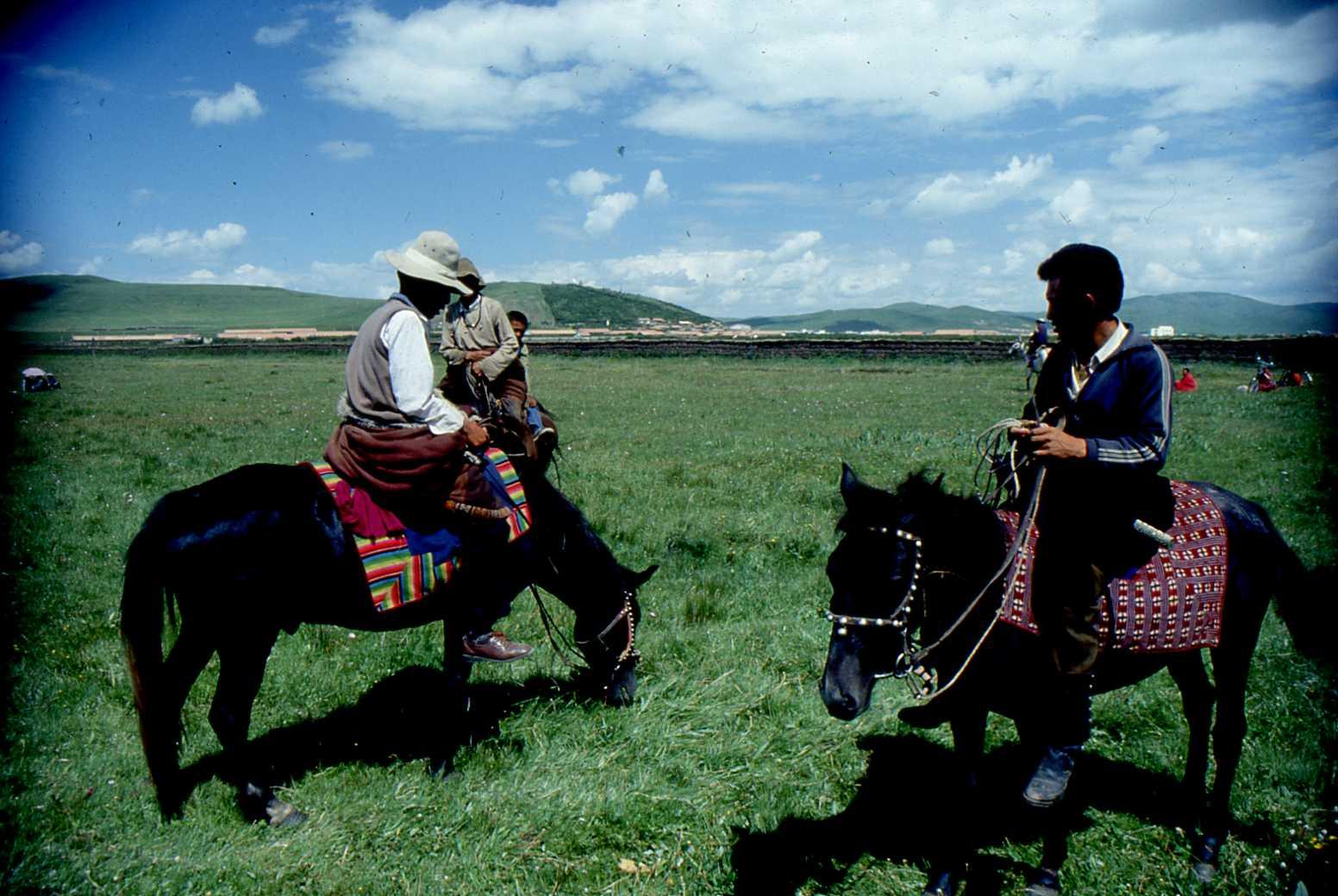 1991_07_Xiahe-Tibetan_Plateau_Grassland_010