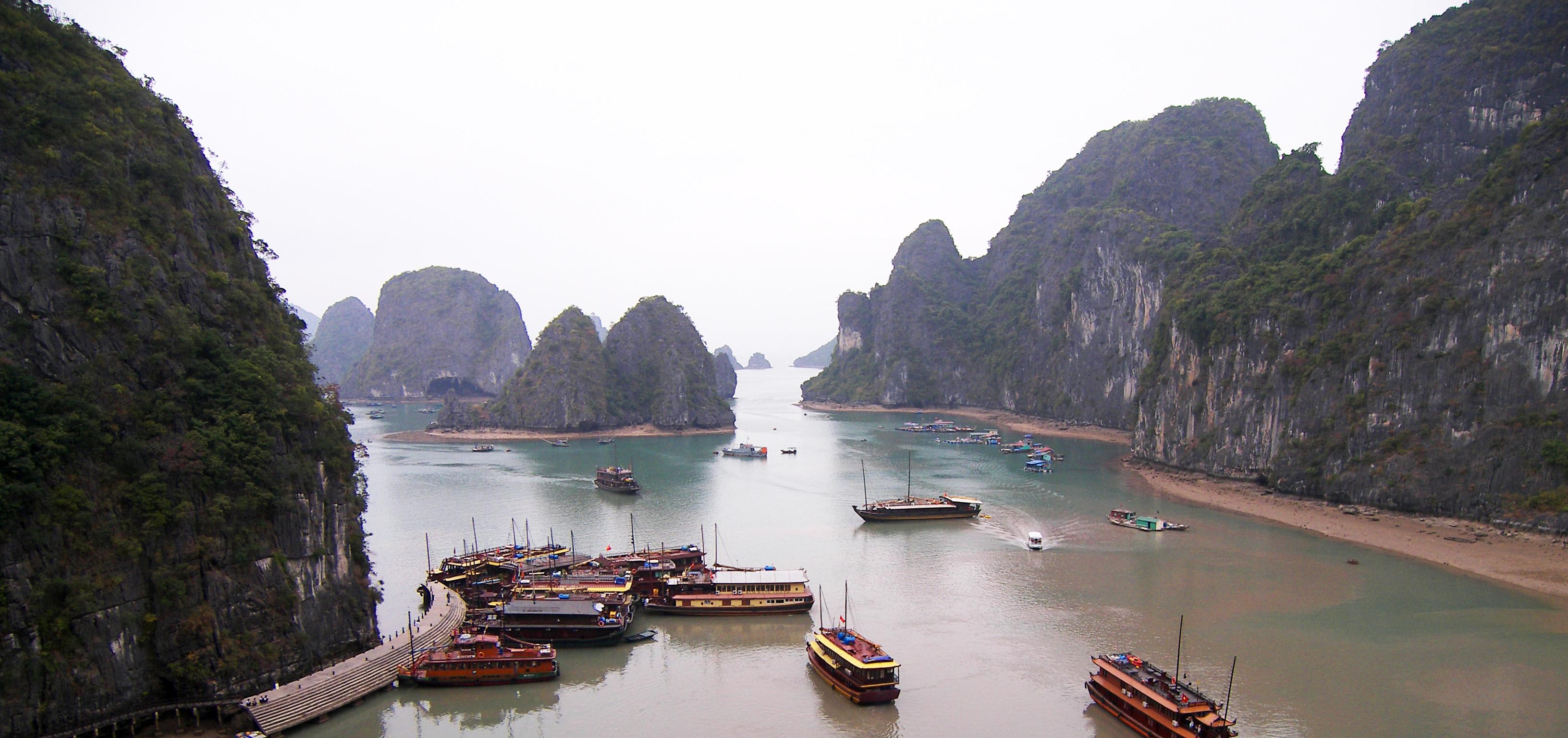 Halong-Bay-Vietnam-2
